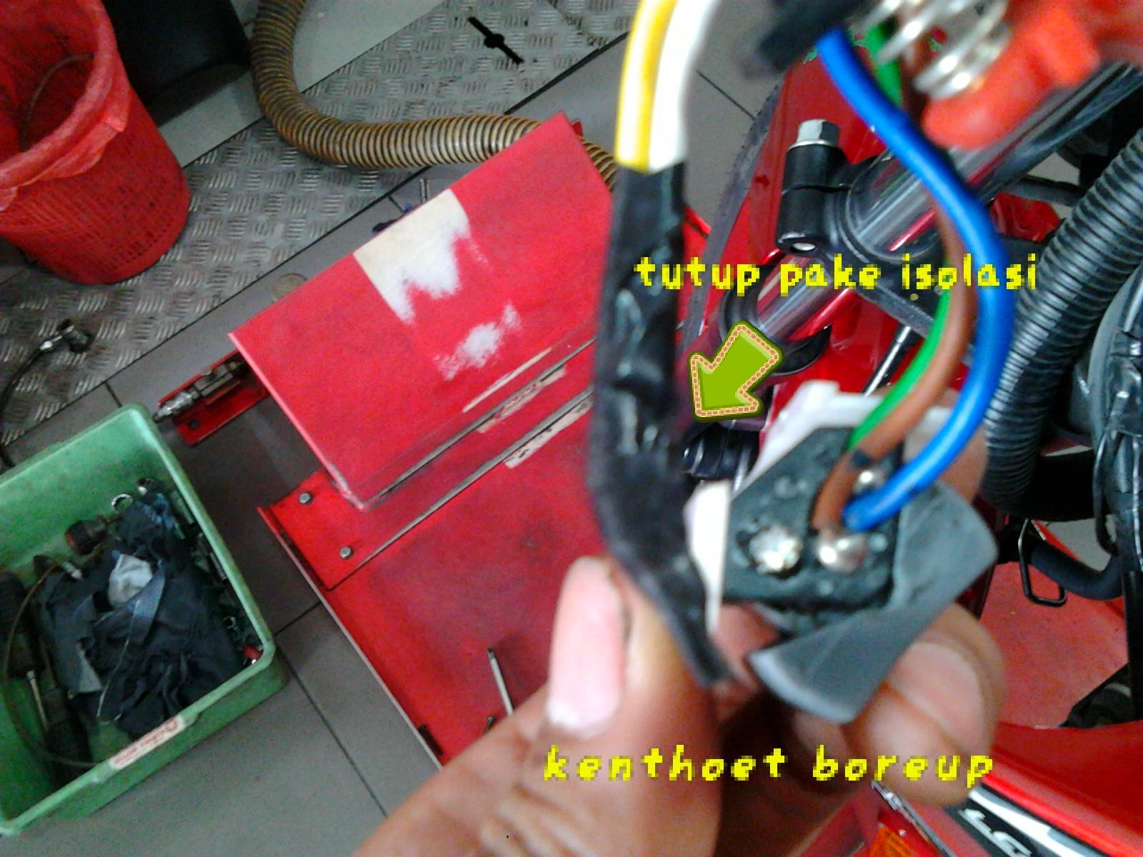 Tips cemen bikin vixion anti aho hanya dengan bermodal obeng dan biar ndak konslet tutup sambungan menggunakan isolasi hitam asfbconference2016 Images